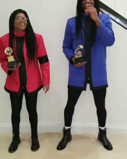 RT @BleacherReport: Couple costume idea:…