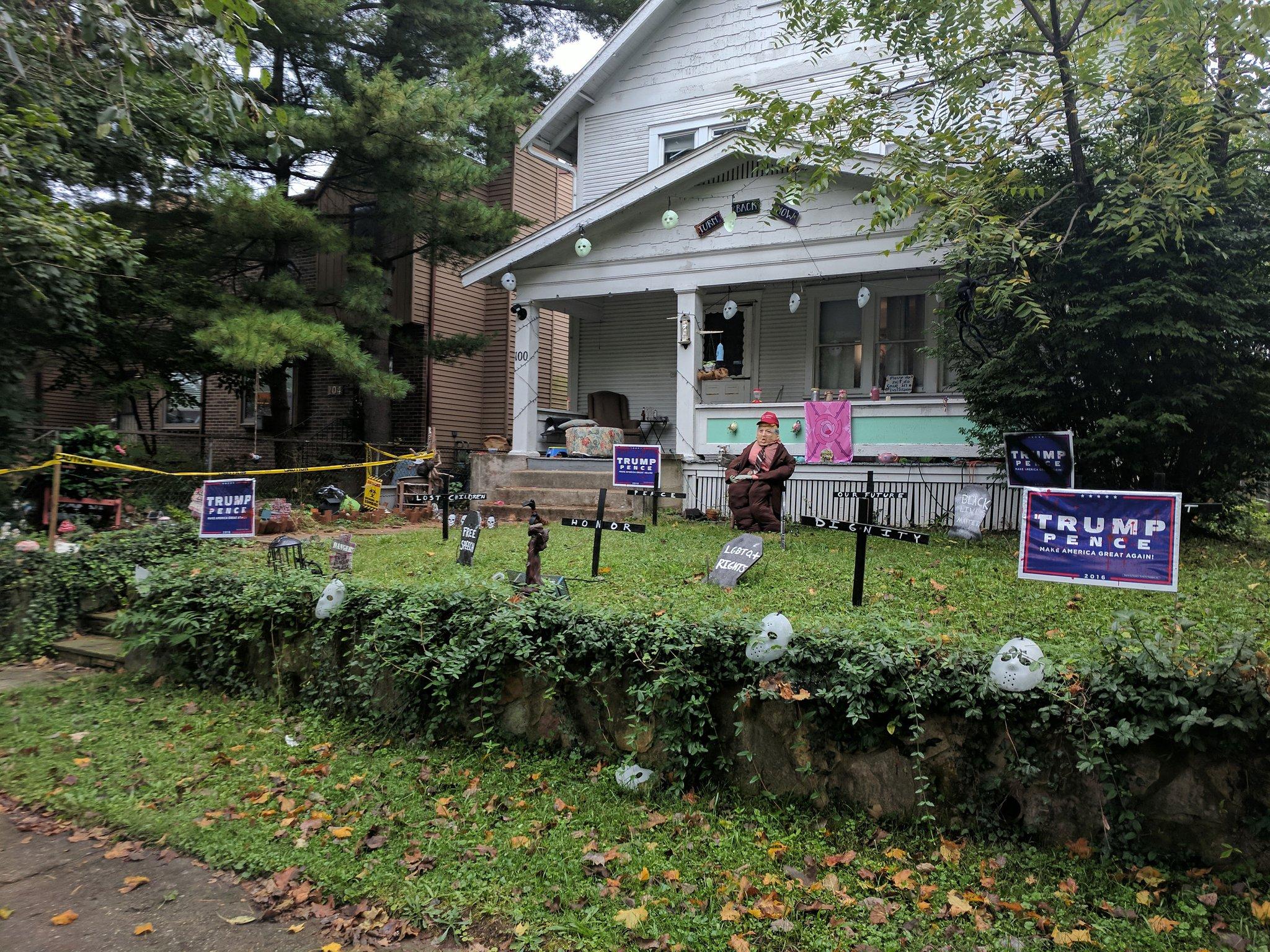 RT @aschweig: the neighbors' haloween…